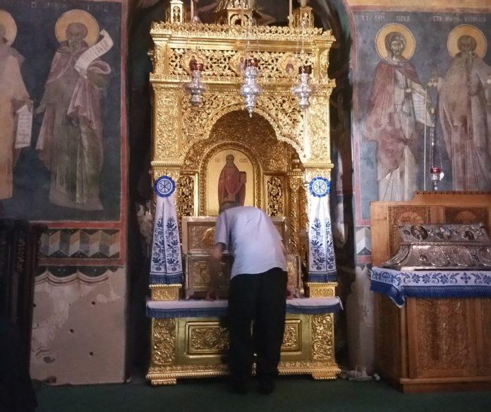 Cuviosul Gherontie in biserica