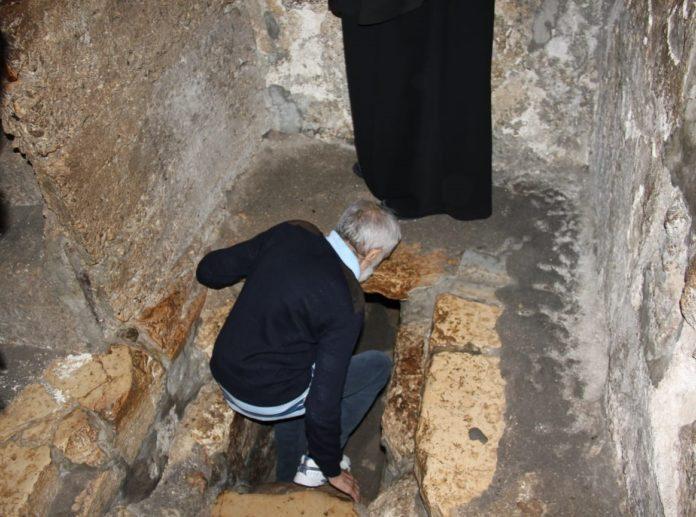 Cuviosul la mormântul lui Lazăr, în Betania